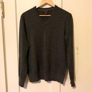 Banana Republic merino wool sweater charcoal gray